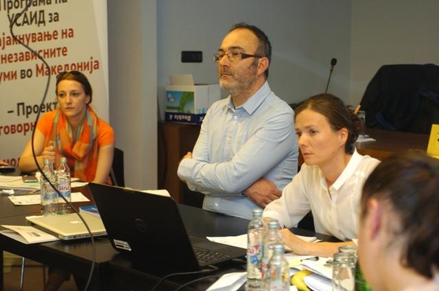 Бојко Боев (во средината)