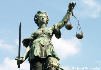 (Македонски) Дебата: Што донесе декриминализацијата на клеветата?