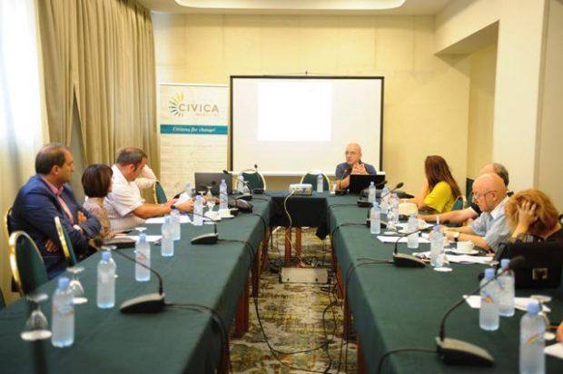 (Македонски) Јавна дискусија – Регулација на медиумската сопственост во Македонија